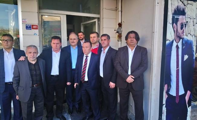 Ak Parti Zeytinburnu'na aday adayı bolluğu