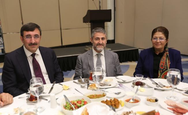 Urfa'nın beyin takımını İstanbul'da topladı