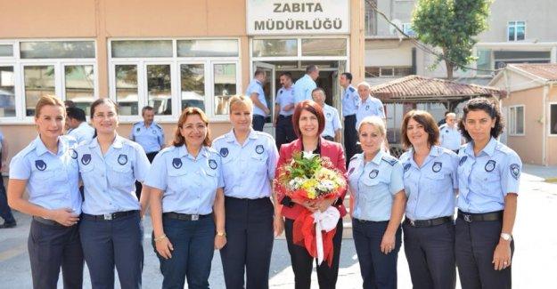 """Avcılar Belediye Başkanı Dr. Handan Toprak """"Zabıta Haftasını"""" Kutladı"""