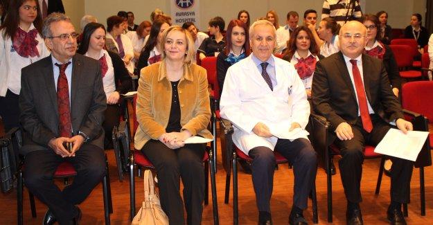 Avrasya Hospital'den Gençlere Altın Bilezik