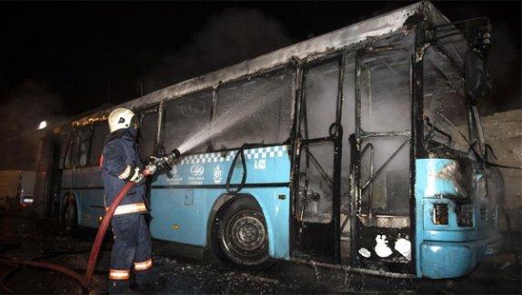 Bağcılar'da halk otobüsüne molotoflu saldırı