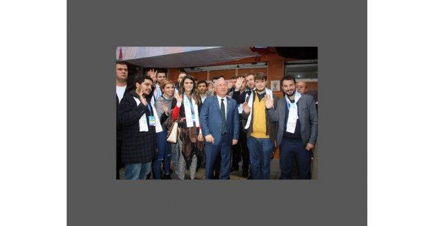 Balkanlı Gençlerden Ak Parti'ye destek Turu