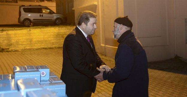 Başkan Ali Kılıç kandil simidi dağıttı