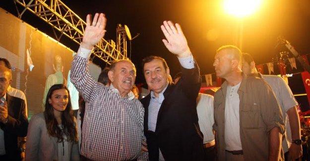 Başkan Topbaş Esenyurt 'ta Nöbette