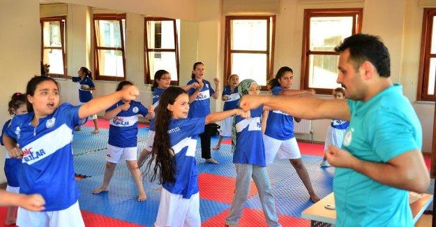 Beyoğlu Yaz Spor Okulu'nda Uzakdoğu Eğitimi