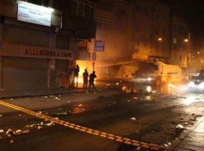 Beyoğlu'nda göstericilere polis müdahalesi!
