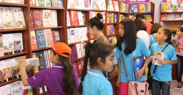 Bilge Çocuklar Kitap ve Kültür Fuarı'nı Gezdi