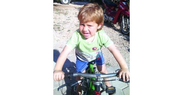 Bilgisayar patladı 5 yaşındaki çocuk yanarak öldü