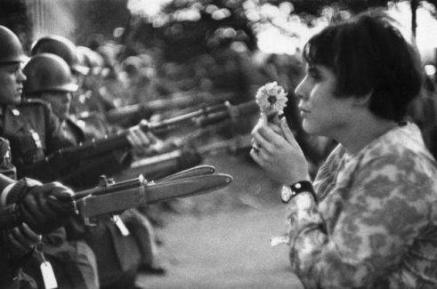 """""""Çiçek Çocuk""""un fotoğrafçısı Riboud öldü"""
