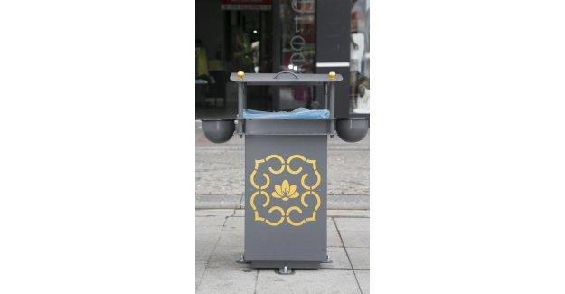 Çöp Kutuları Meydana Yerleştirildi