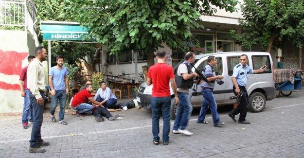 Diyarbakır'da çorba içen polislere saldırı: 4 yaralı