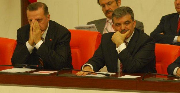 'Erdoğan Abdullah Gül'ü Mecburen Aday Gösterdi'