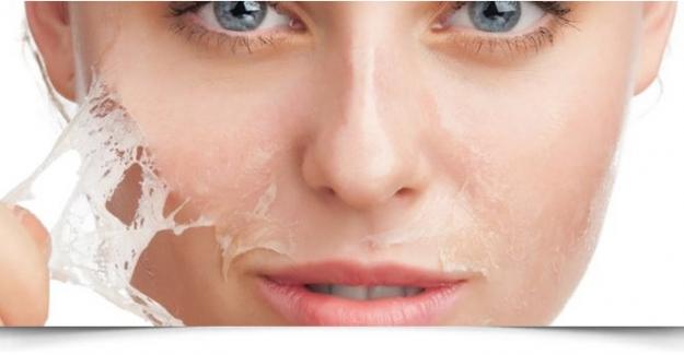 Evde Peeling Nasıl Uygulanır İşte Cilt Tipinize Uygun Peeling ve Maske Seçimi
