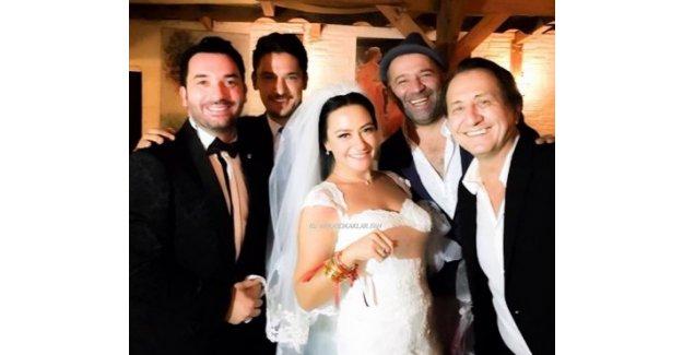 Ezgi Sertel evlendi, sosyal medya sallandı