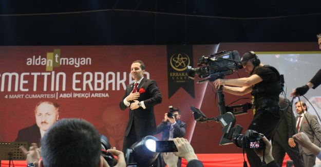 Fatih Erbakan Refah  adı ile Yeni Bir Parti mi Kuruyor ?