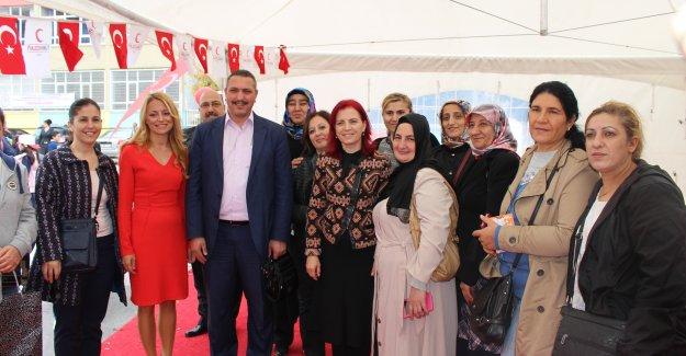 Fatma Süslügil İlkokulu en çok kan bağışı yapan okul oldu (Videolu Haber)