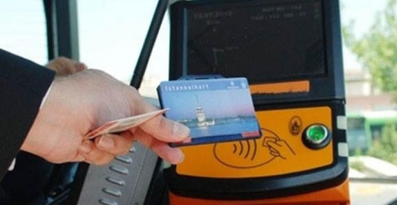 Gazetecilere seyahat kartı kısıtlaması kaldırıldı