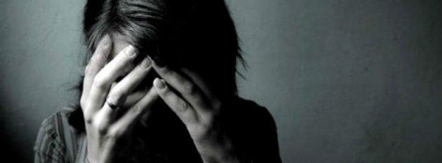 Genç kıza Facebook'tan çıplak fotoğraf şantajı
