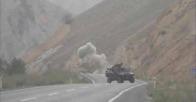 Hakkari-Van Karayolu'ndaki Patlayıcı İmha Edildi