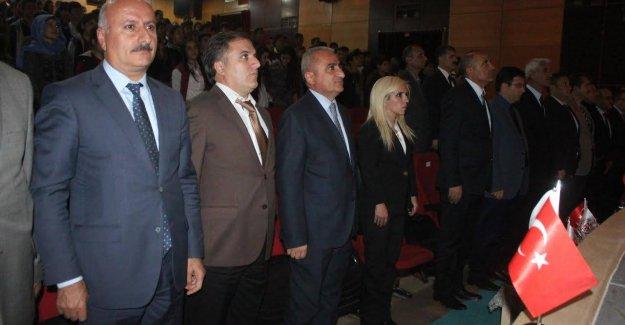 Hakkarili Gençlerden Erdoğan'a Üstün Cesaret Plaketi