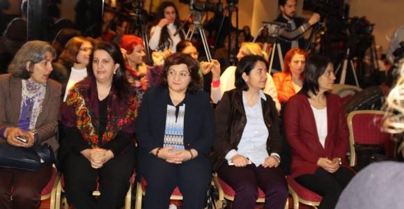 HDP Kadın milletvekili adayları basının önüne çıktı