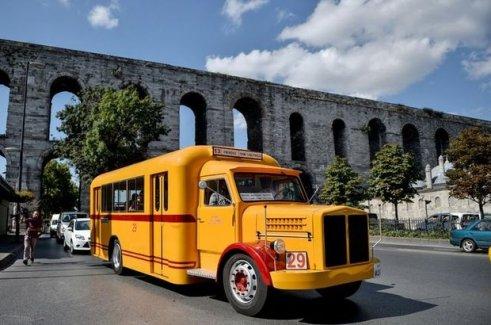 İETT'den İstanbul'a Bir Nostaljik Otobüs Daha