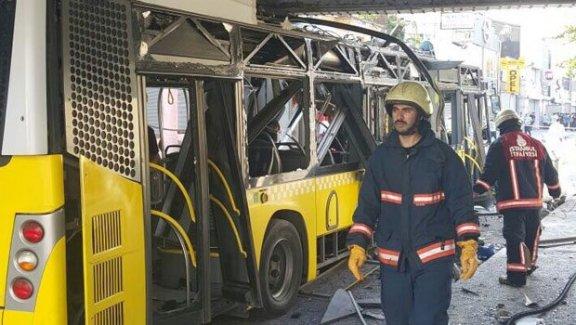 İETT otobüsü üst geçite çarptı: 1 polis ağır yaralı
