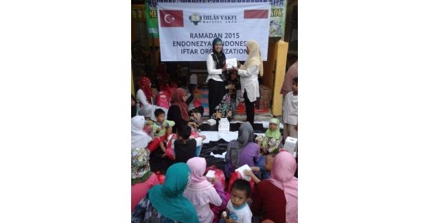 İhlas Vakfı İftar Sofraları Endonezya'ya Kadar Ulaştı