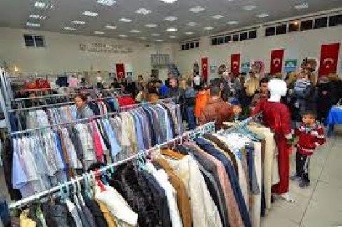 İhtiyaç Sahibine Ev Eşyasından, Giyime  Sosyal Market Hizmette