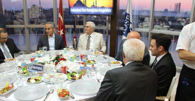İkitelli Organize Sanayi Bölgesi Başkanları İftar Yaptı