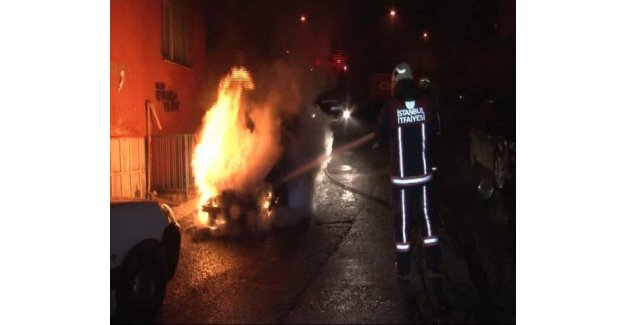 İstanbul'da 4 araç daha kundaklandı