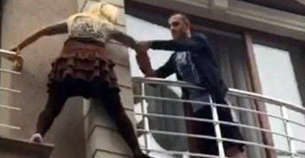 İstanbul'da eski nişanlısından kaçan kadın balkona çıktı
