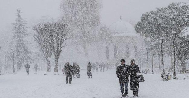 İstanbul'da kar yağışı ne kadar sürecek? Yurtta hava nasıl?