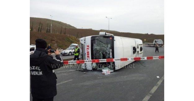 İstanbul- Kayaşehir'de 2 otobüs yandı!