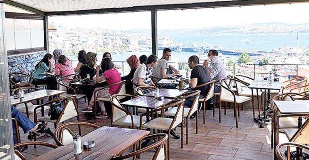 İstanbul'un tarihi yarımadasında tarihe çatı ayarı