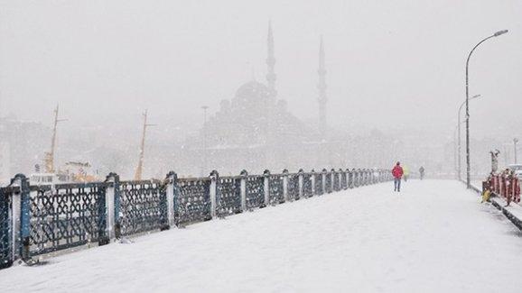 İstanbul ve Ankara'ya yeniden kar geliyor