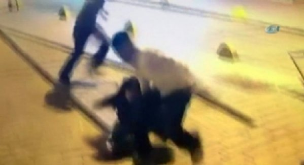 İstanbul'daki kapkaççı dehşeti kamerada
