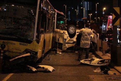 Kadıköy'de feci kaza: 5 ölü, 5 yaralı
