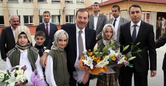 Kadıoğlu Okul Kermeslerine Katıldı