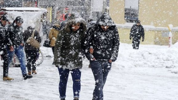 Kar yağışı sabah saatlerinde etkisini gösterdi