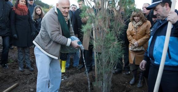 Kartal Belediyesi Zabıta Ormanı'na ilk fidan Başkan Altınok Öz'den