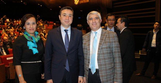 Kazaklar İstanbul'u Sanatları ile Yeniden Fethetti
