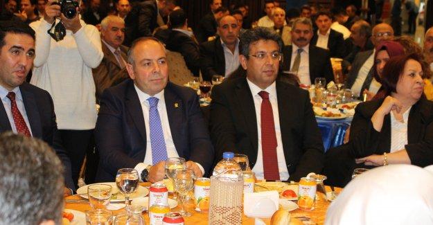 Malatyalılar vekil adaylarını bağrına bastı