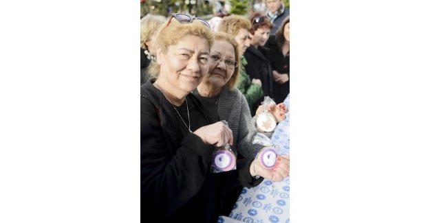 Maltepeli kadınlar kurabiyelerle dilek tuttu