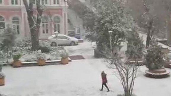 Marmara Üniversitesi'nde kar tatili çilesi! Öğrenciler isyan etti