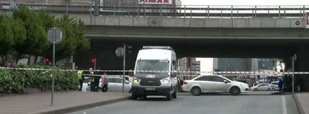 Mecidiyeköy'de şüpheli minibüs alarmı!