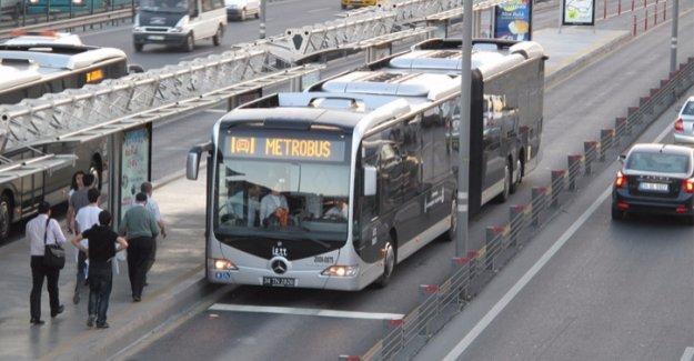 Metrobüs'te yeni dönem başlıyor