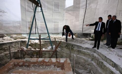 MEzarı tam 400 yıl sonra ortaya çıktı