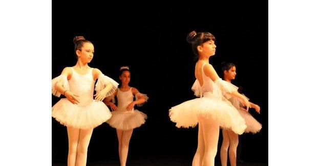 Minik balerinler hünerlerini sergiledi
