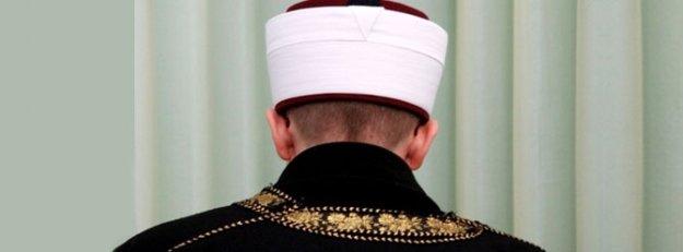 Namaz sırasında imama bıçaklı saldırı